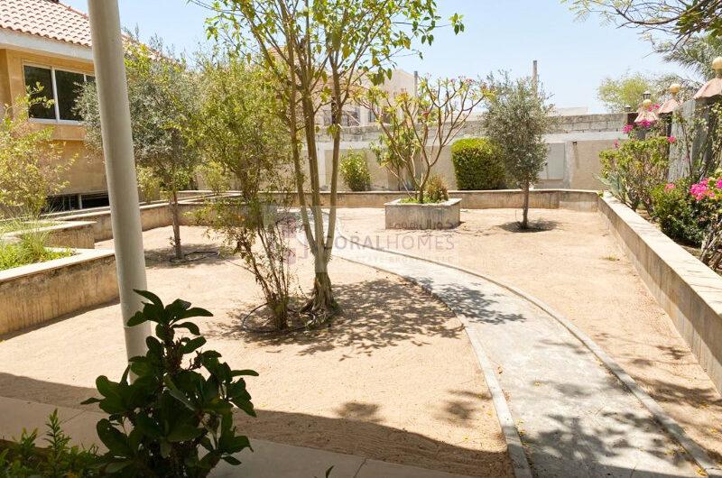 Spacious 6BR+Maid Villa with Big Garden